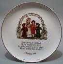 Holly Hobbie Christmas 1974 porcelain Plate