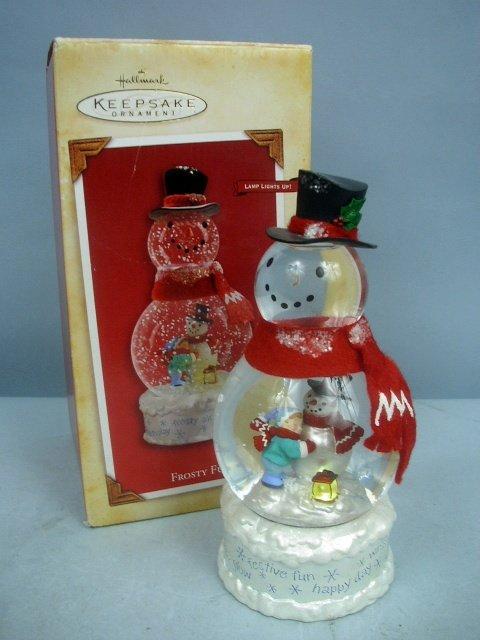 NEW! Hallmark FROSTY FUN SNOWGLOBE  Lighted Snowman Snow Globe