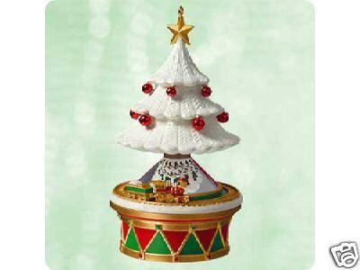 CHRISTMAS TREE DREAMS 2003 Hallmark Ornament
