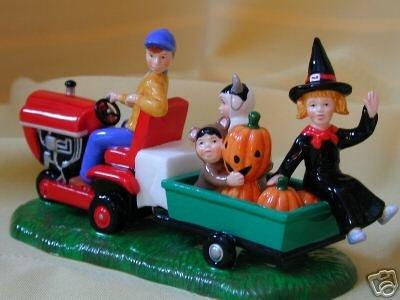 Deptartment 56 Gathering Pumpkins - Halloween Figurine~Dept 56