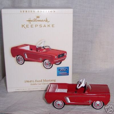 RED Hallmark 1964 1/2 Ford MUSTANG Kiddie Car Classics 2006 Christmas Ornament
