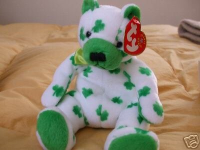 Ty CLOVER Beanie Baby Bear~Irish Shamrock Green~NEW