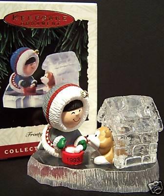 1993 Hallmark~FROSTY FRIENDS 14th in Ornament Series~Eskimo & Dog House