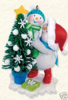 Hallmark TRIMMING THE TREE~Ist in Series MAKING MEMORIES~2008 Christmas Ornament