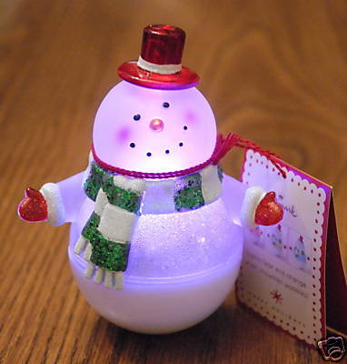 New! Hallmark Roly-Poly Wobbles Snowman Snow Globe~Changes Color~ 2008 Wobbling