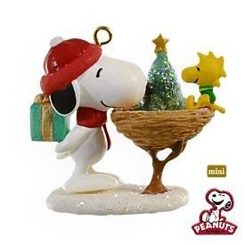 2009 Hallmark WINTER FUN WITH SNOOPY Christmas Ornament~Peanuts