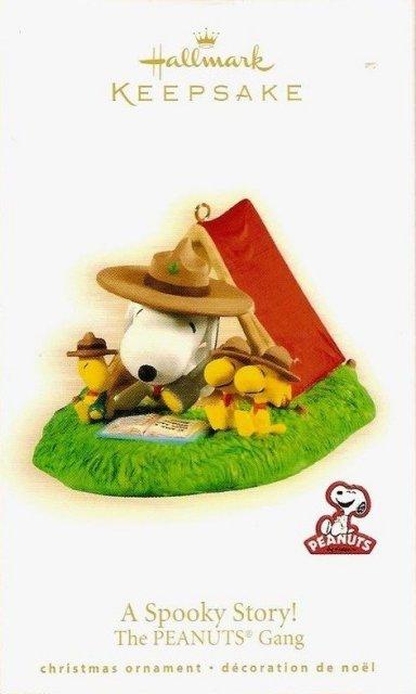 2009 Hallmark A SPOOKY STORY Ornament Peanuts Gang SNOOPY