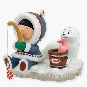 2010 Hallmark FROSTY FRIENDS #31 Christmas Ornament  Ice Fishing