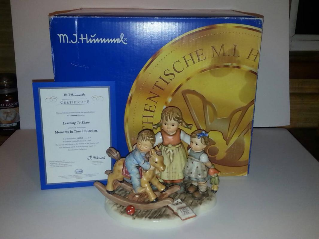 Hummel 'Learning to Share' Figure. Mint In Box. Limited Edition #1829/3000. Make An Offer!