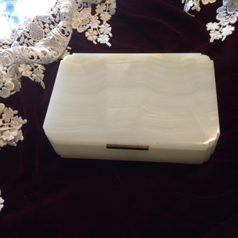 Henry Griffith & Son white onyx Art Deco jewelry box