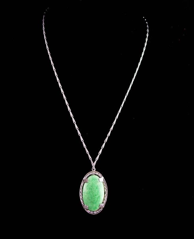 Art Deco  Necklace-  1920s peking glass necklace - Vintage green Wedding gift - St Patrick's Day - 21