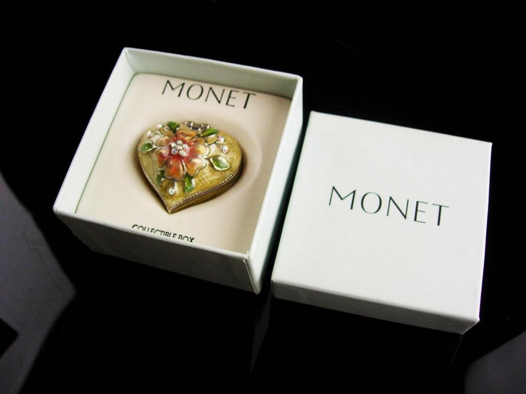 Vintage trinket Box / Miniature enamel heart box / Monet original box - Enamel flowers keepsake - bridesmaid gift