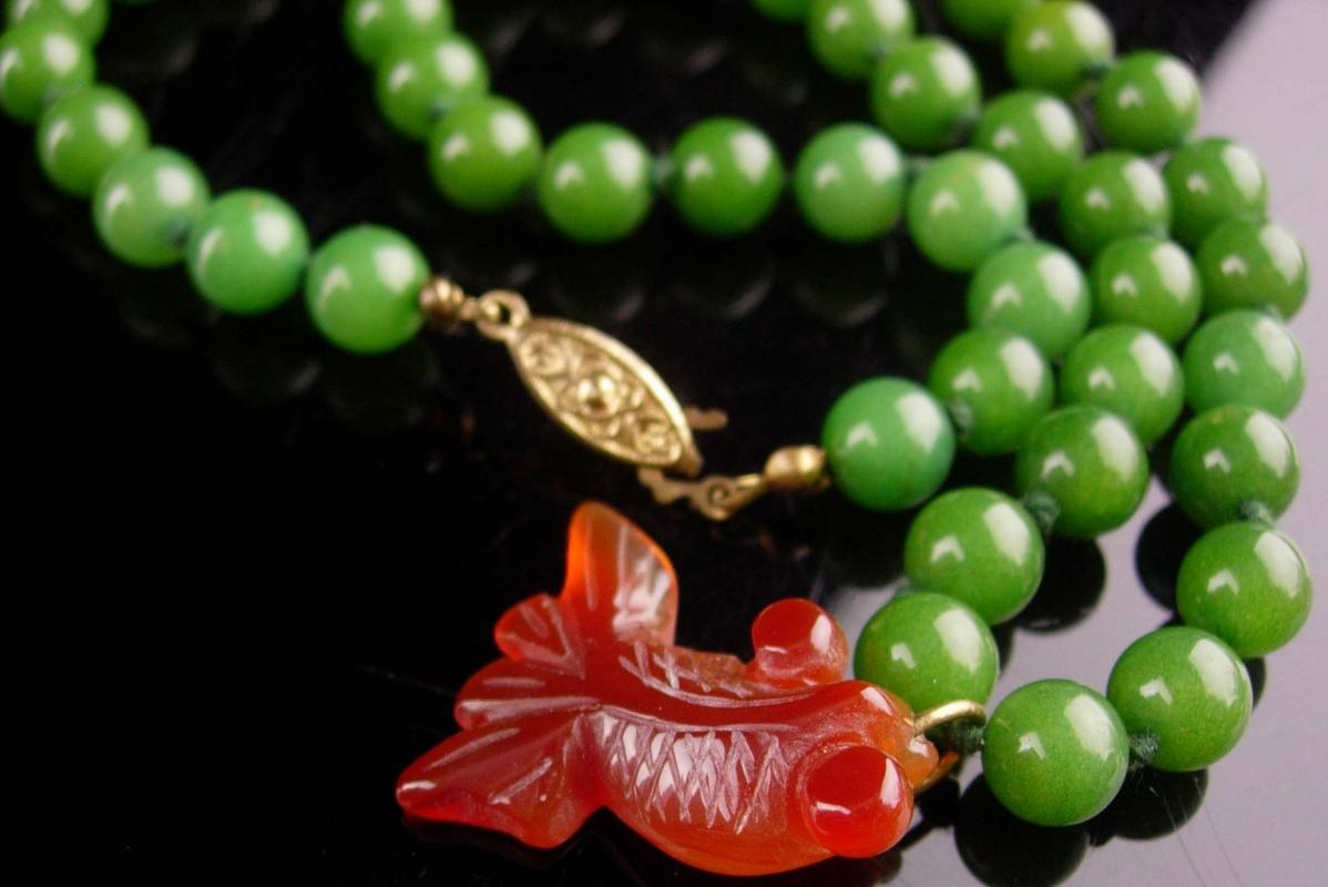 Vintage Jade necklace - Chinese koi fish pendant - oriental choker - hand knotted beads - good luck gift- fetish jewelry