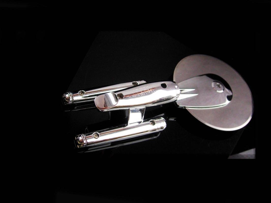 NOVELTY PIzza Cutter - star Trek Ship - silver kitchen utensil - housewarming gift - stainless cutter - U.S.S. Enterprise - geek gift