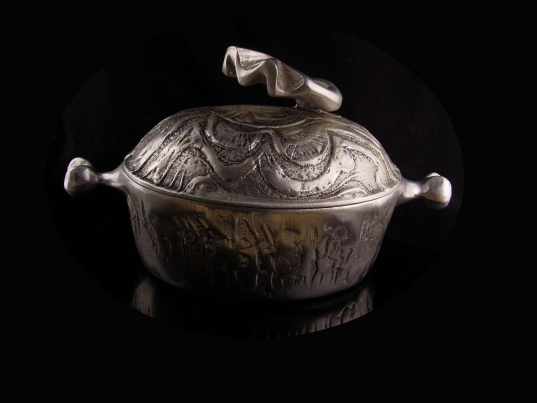 Rare 5 quart Don Drumm turkey Pan - Covered Casserole Dish - turkey legs -  Mid Century Aluminium Cast and signed