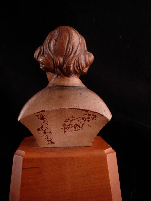 Vintage Chopin music box - composer bust - Reuge Romance music box - musician gift - classical music - carved wooden bust - works great