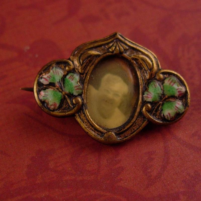 antique Irish brooch / 1800s Lucky green clover / vintage sweetheart pin / portrait brooch - Celtic Promise / Friendship pendant