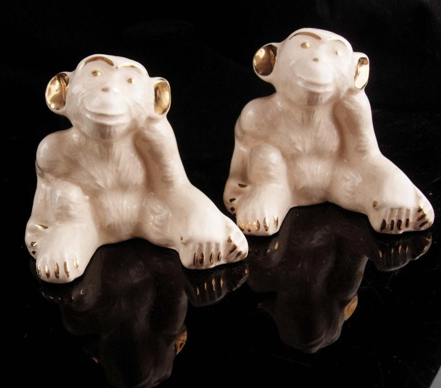 Vintage  40's Monkey salt pepper set - whimsical gift - chimpanzee statue figurine - figural year of the monkey