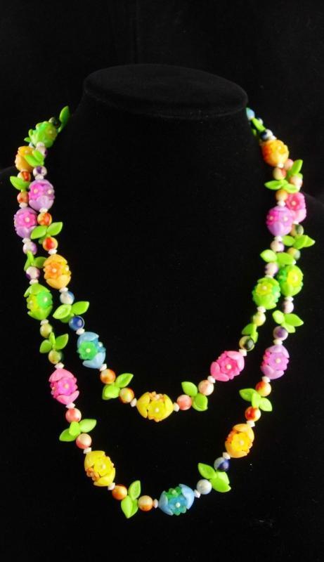 Vintage Carmen Miranda necklace - vintage 48