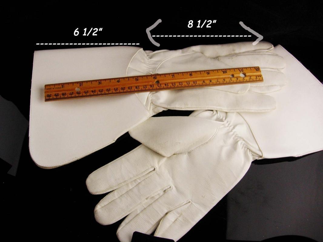 Knight wear / gauntlet glove / leather XL medieval  standard flag bearer - renaissance reenactment white mens gloves