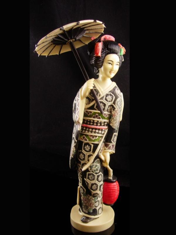 Vintage large Geisha statue - carved asian figrine - parasol - Oriental Asian art - japanese costume - 12