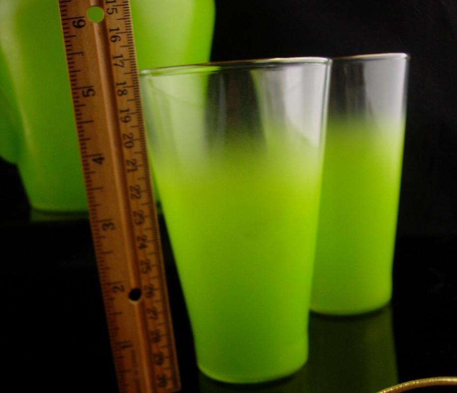 Vintage LIME green Mid century Modern set - Lemonade glass set - Blendo ombre Pitcher - Beverage set - green water glasses