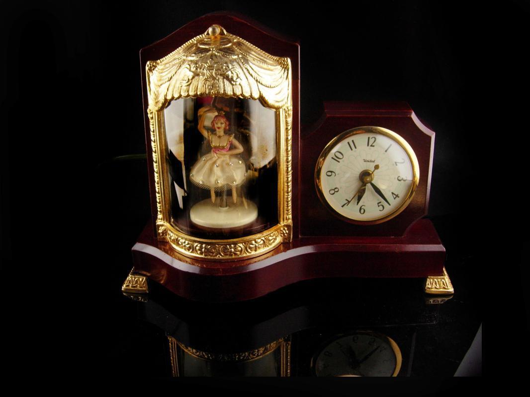 Vintage Ballerina Clock - 1955 Music box - light up circus - unusual vintage clock - works great -