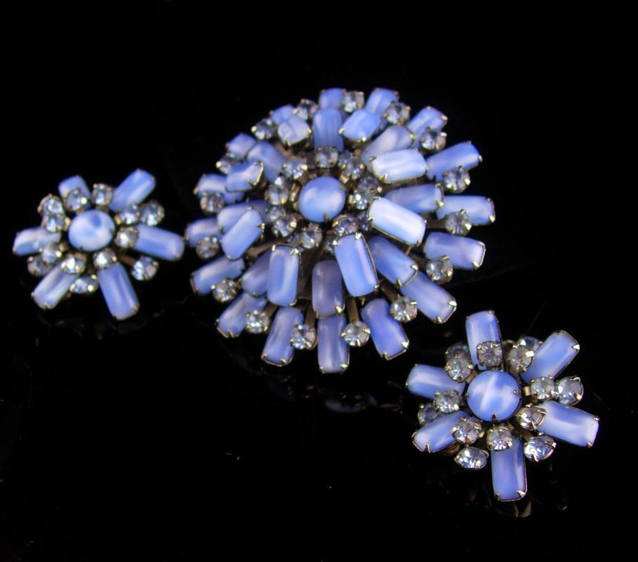 Vintage blue Rhinestone Brooch - clip Earrings - faux star sapphire - 1940s jewelry - something blue - wedding jewelry mother of bride gift