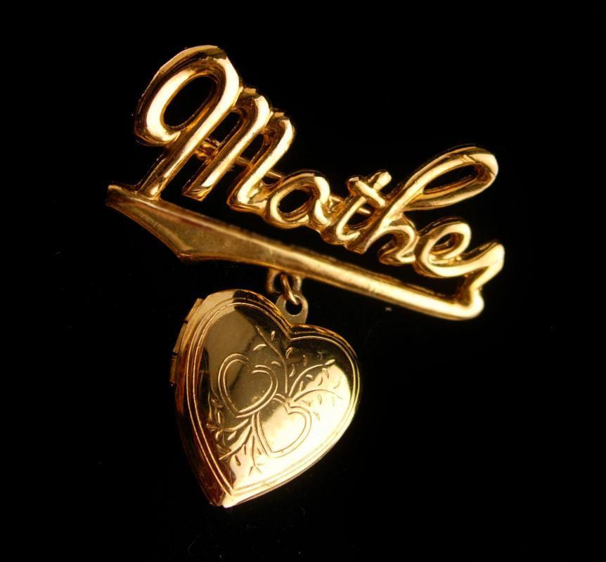 Vintage Mother Locket brooch - golden heart photo locket -  New mom gift - mothers day
