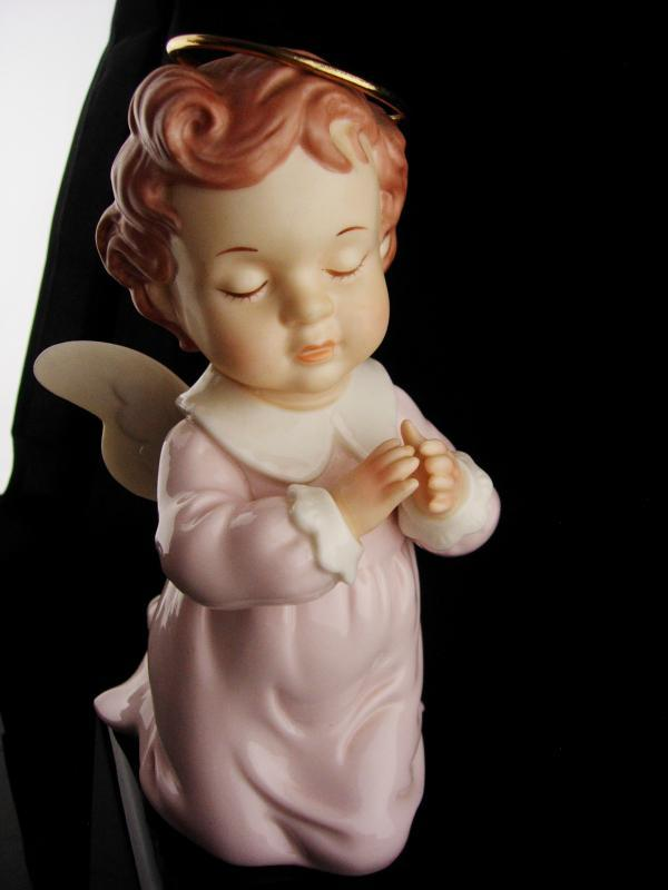 Vintage little girl angel figurine - 7