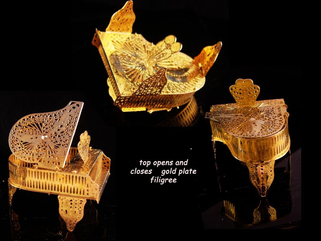 Miniature golden Baby Grand Piano - top opens and closes - filigree musical instrument - artist gift music teacher singer entertainer