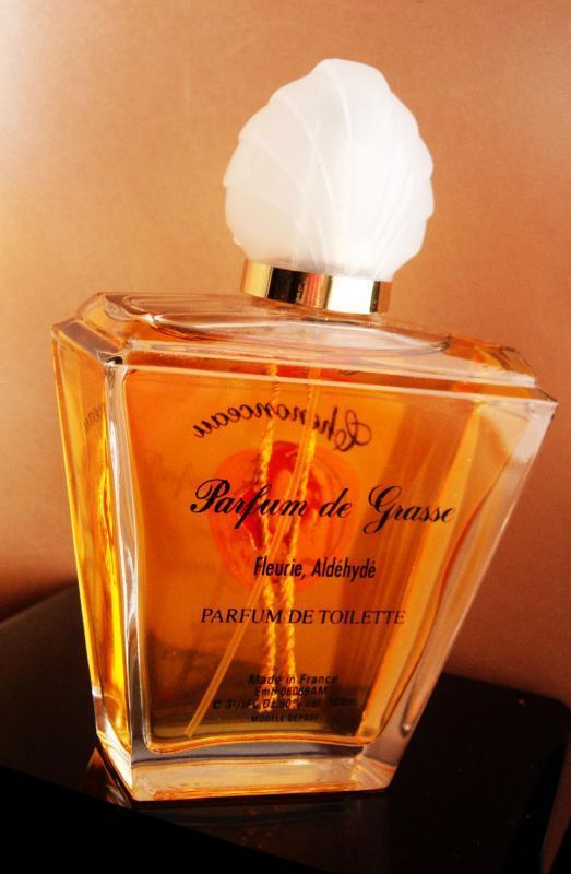 3 1/3 Ox French Perfume - Parfums De Grasse - wax seal - Fleurie Aldehyde - parum de toilette