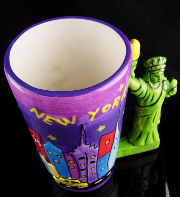 Vintage figural statue of liberty cup - tall mug - new york  / souvenir gift - graduation gift - coffee mug - purple green