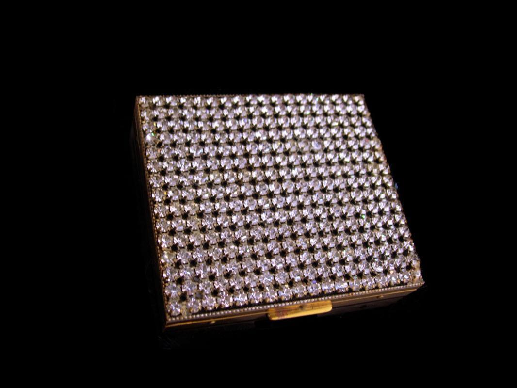 Vintage 1950s rhinestone Cigarette case /  weisner tricketts - 270 rhinestone top - womens accessory / silver hinged case