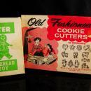 2 sets 1950s Cookie Cutters - gingerbread man - Stocking stuffer - metal cookie cutter sets