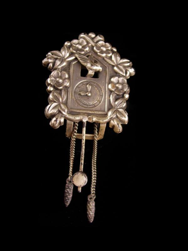 Coro Pegasus Cuckoo Clock fur clip - Vintage Mechanical jewelry - Bird Fairy Tale - Novelty couture fur clip
