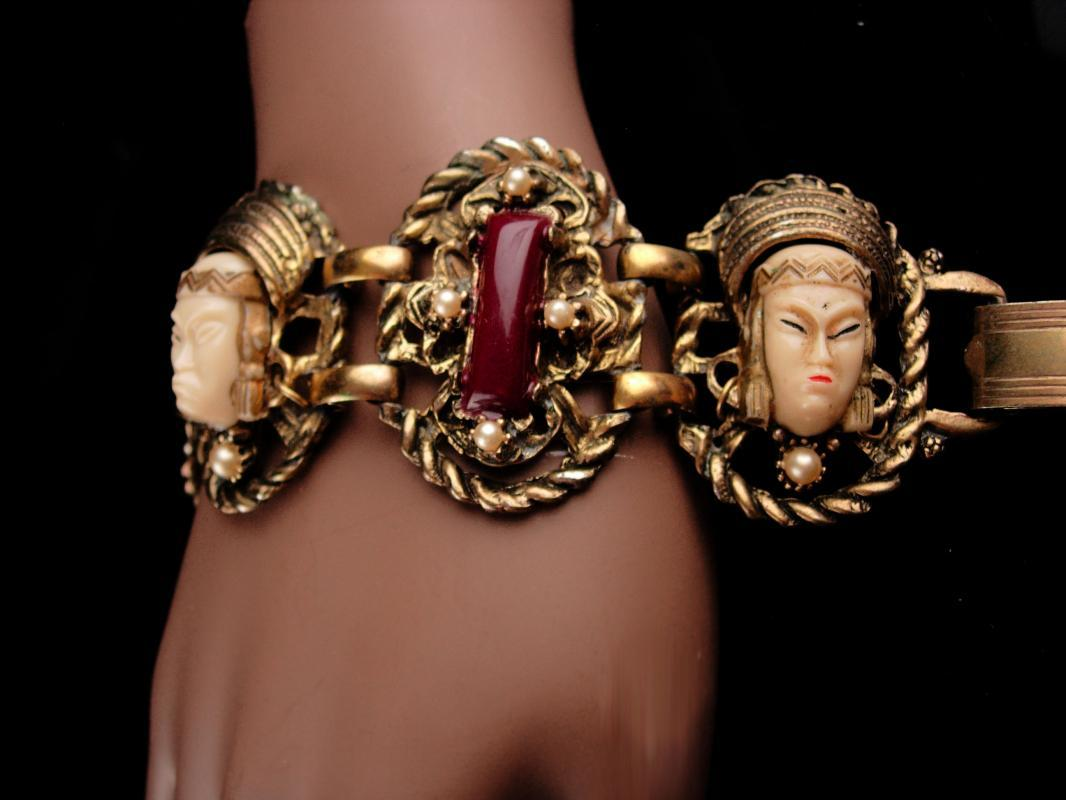 Vintage Selro Bracelet / oriental goddess jewelry / oriental heads with pearls / costume jewelry / estate jewelry / unsigned bracelet