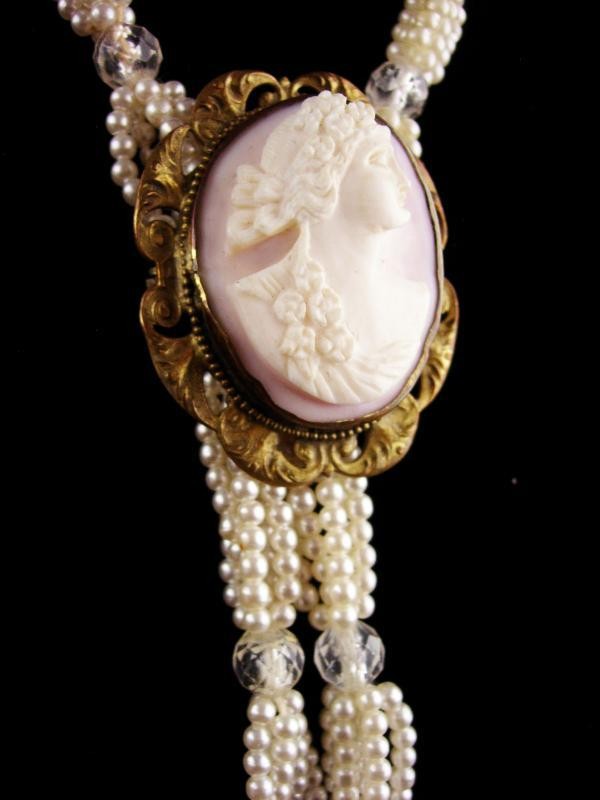 Antique pink carved cameo brooch pendant - 48