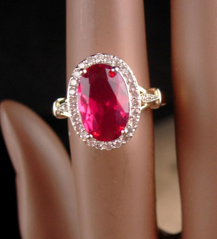 Garnet Solitaire ring - size 6 1/2 Ring - faceted cocktail Ring - January Birthstone 2nd wedding anniversary Capricorn aquarius