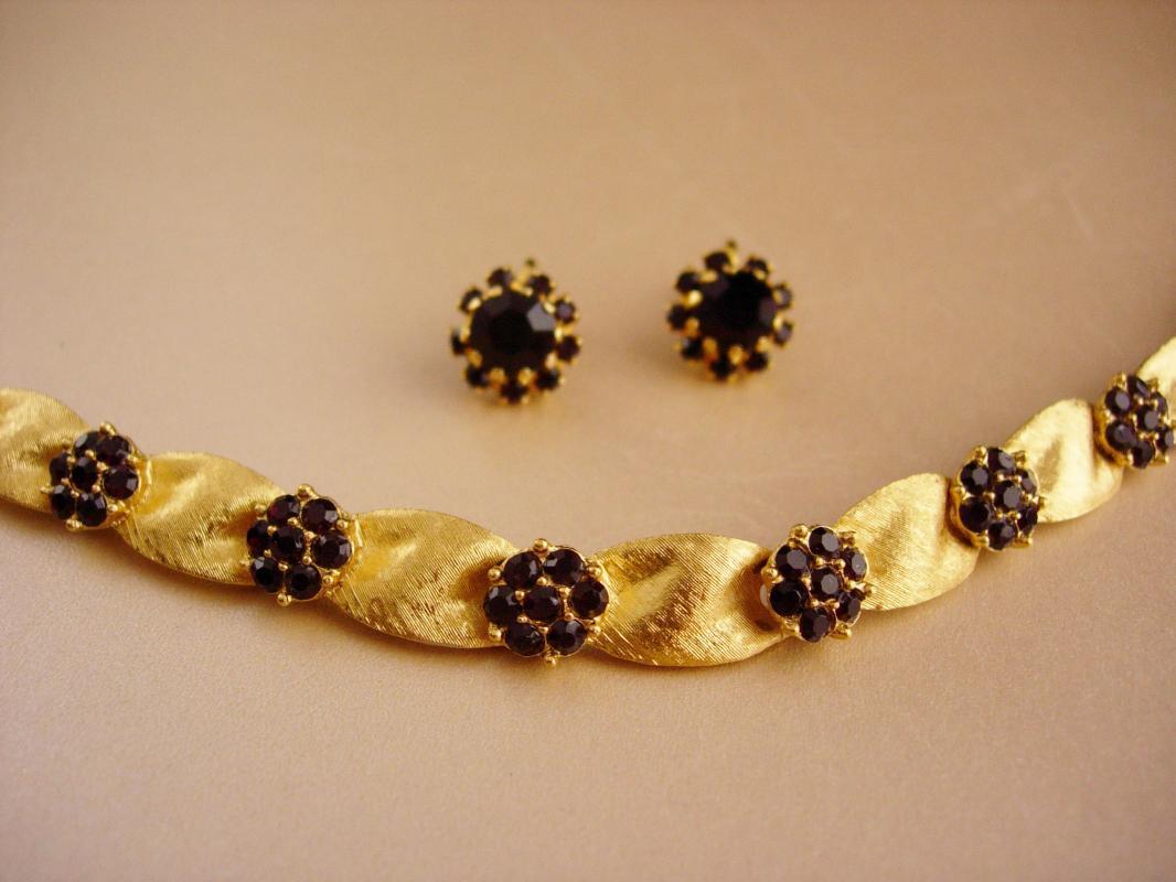 Ornate Trifari bracelet  earrings - simulated garnet - couture  demi parure - rhinestone estate jewelry - January Birthstone - valentines