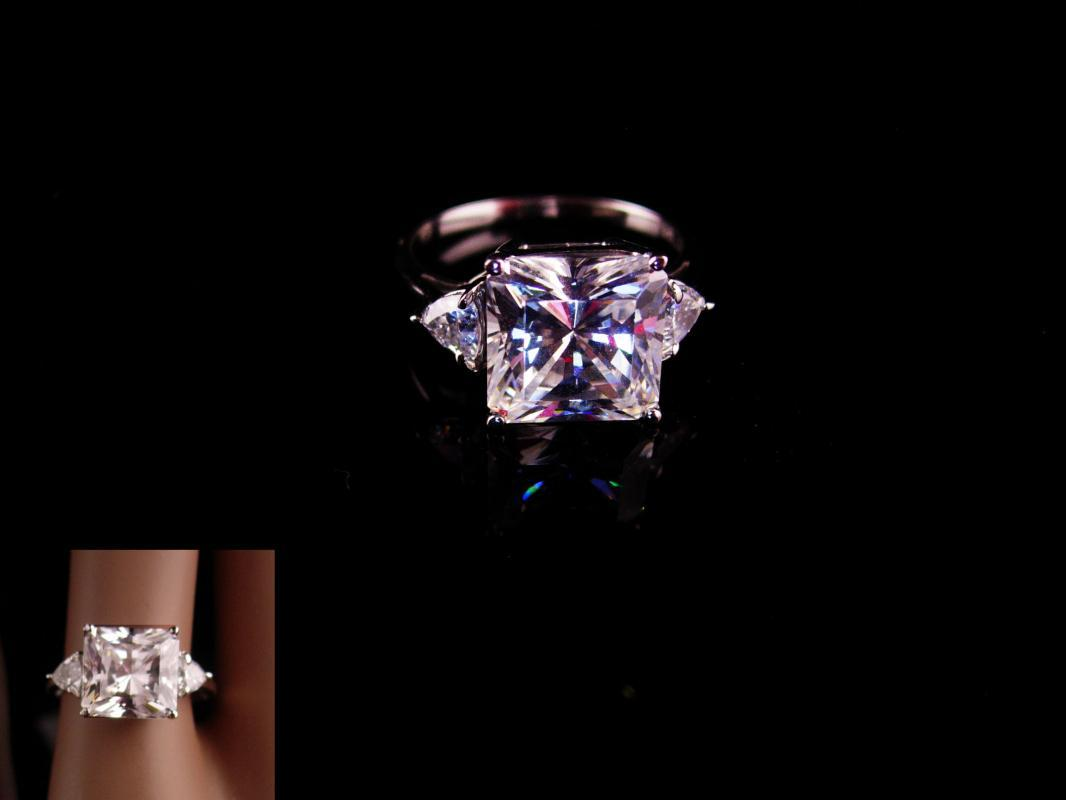 14kt white gold ring Engagement ring - large cz Ring - faceted top -  Size 7 3/4 - womens cocktail ring