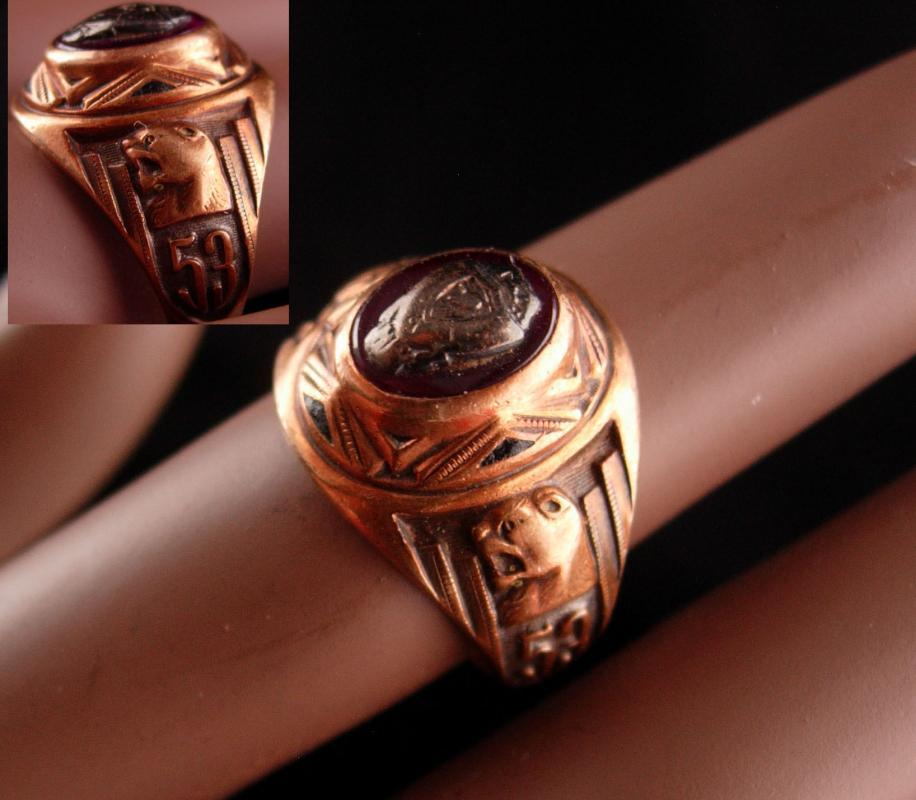 1953 10kt rose gold School ring - Brodnax jewelers with history - Vintage garnet class Ring Lion head ring - 6 1/2 - estate jewelry