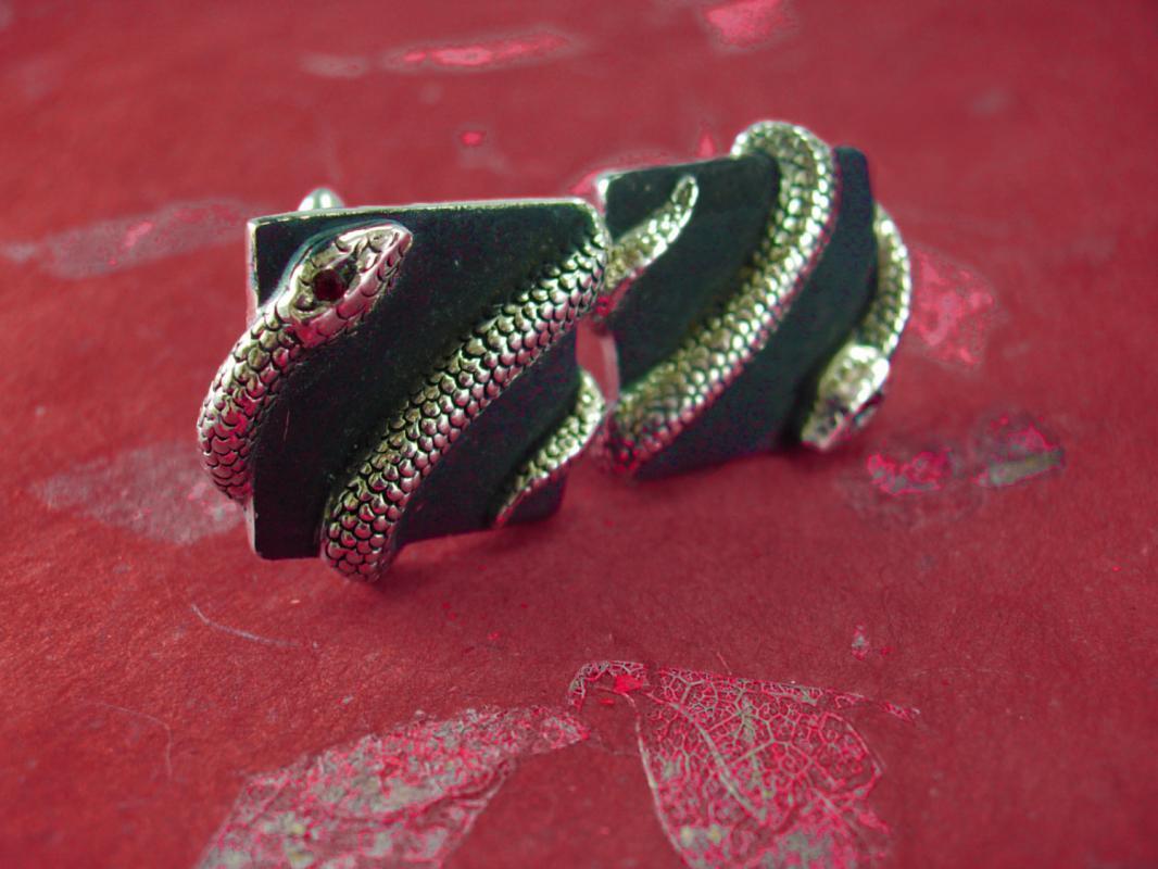 Erotic SNAKE Cufflinks Cleopatra's delight Vintage silver Serpent RED Rhinestone eyeUnisex Shirt cuff links Accessory Snake charmer Swank