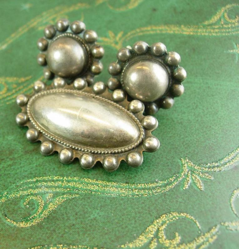 Antique Sterling etruscan brooch Earrings set screw on vintage demi parure medieval renaissance ladies estate jewelry