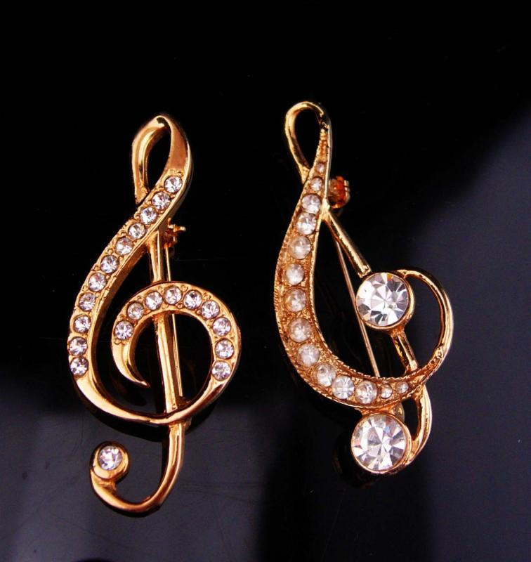 2 Music notes Brooch / vintage pair pins / music teacher gift / Piano MUSICIAN / music instructor / teacher pin / gold pin/ music lover