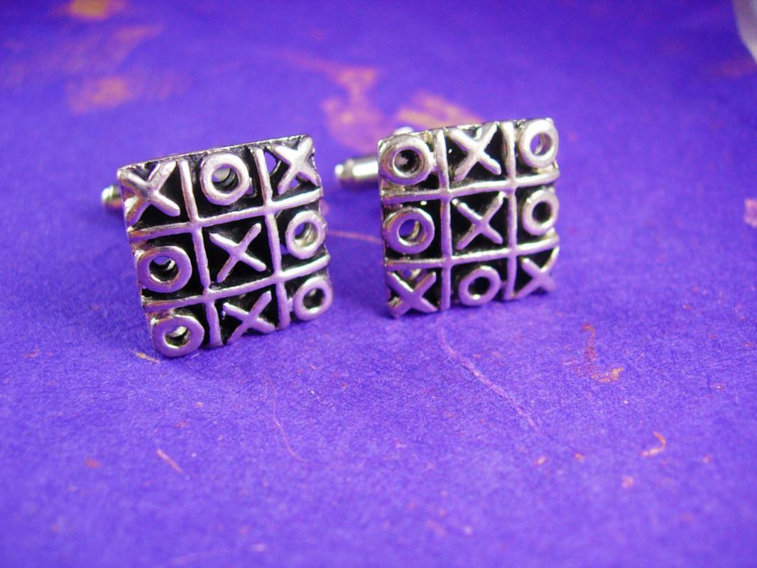 Vintage Hugs and Kisses cufflinks Tic Tac Toe game set valentines day