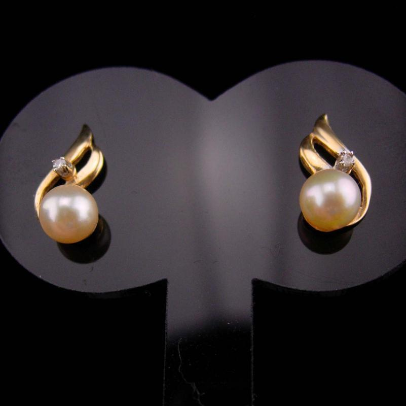 Genuine DIAMOND Earrings / 14kt yellow GOLD / pearl earrings / pierced stud /  60th 75th anniverary / wedding jewelry for the bride