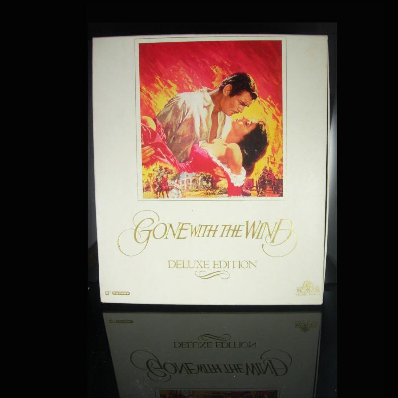 Gone with the wind VHS tapes Boxed set with insert Deluxe Edition vintage movie stocking stuffer