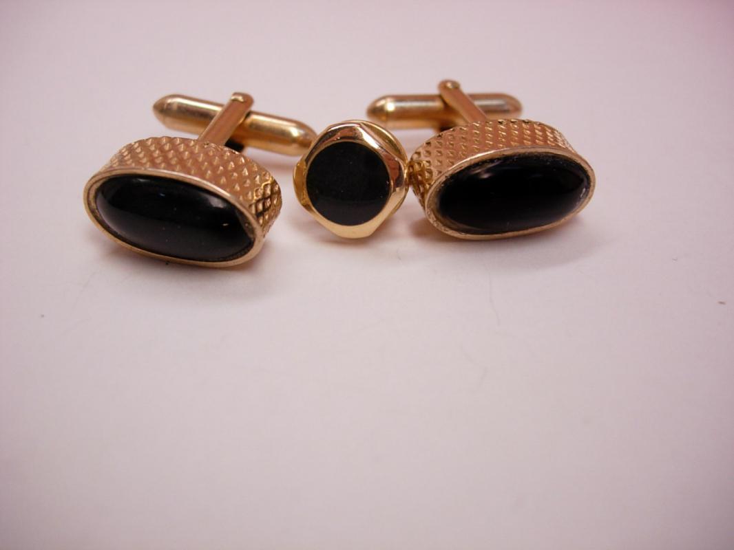 Wedding jewelry Vintage Black Glass Cufflinks Tie Tack Business suit accessory designer Signed Swank tuxedo estate jewelry mens jewellery