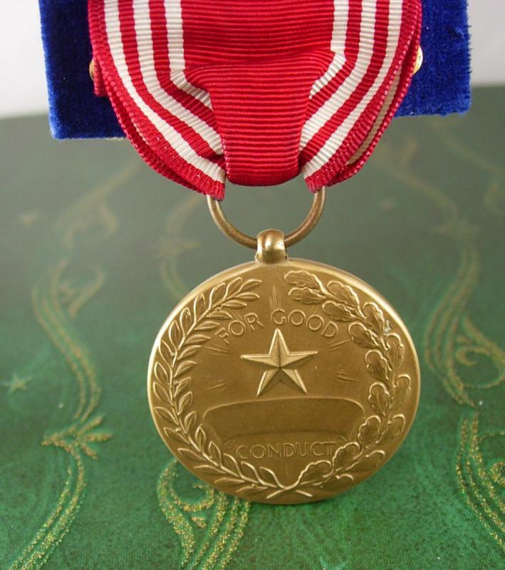 WWII Army Medal United States Good Conduct  Red White Stripe Ribbon Vintage Efficiency Honor Fidelity Military Award USA Collector